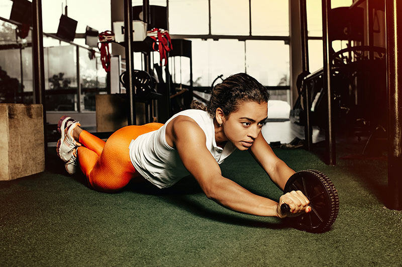 Come allenarsi a casa: le 5 regole per fare sport
